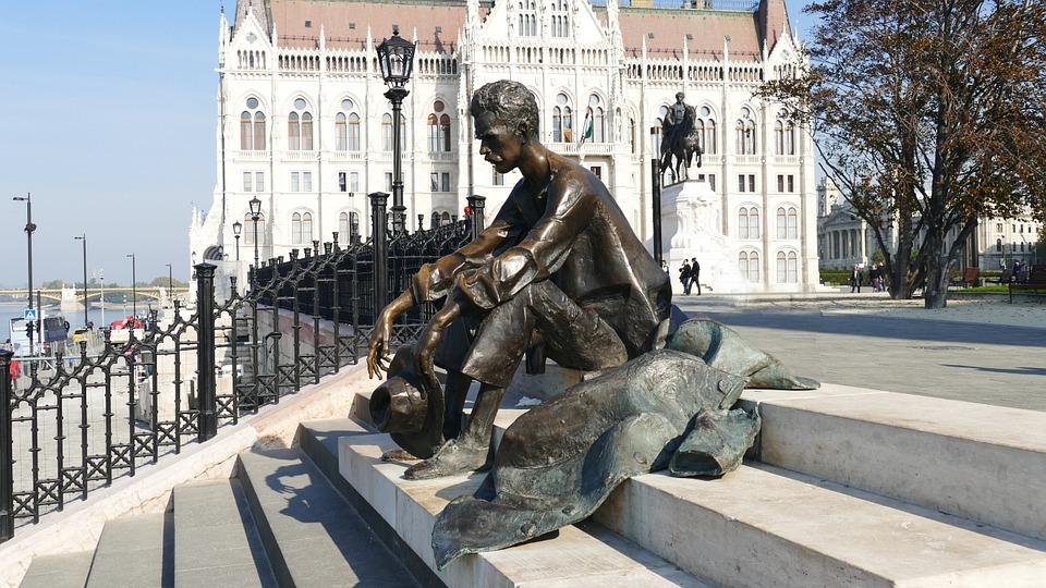 budapest-1018327_960_720